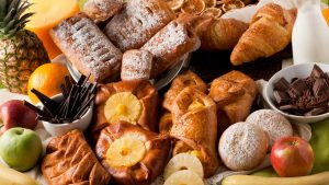 pastries 300x169 - Common Food Combinations that Trigger Hypoglycemia or Sudden Hunger
