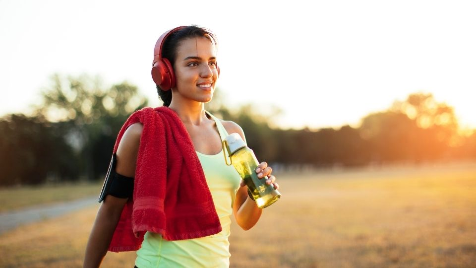woman exercise happy - Solutions to problems may arrive during/after a good workout