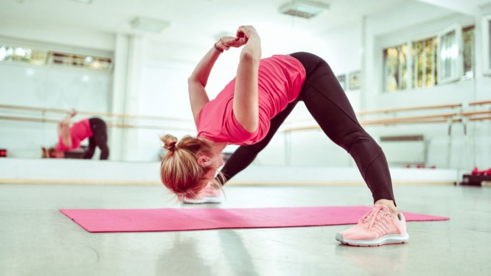 exercise backstretch - More exercises to relieve stiff shoulders and lower back