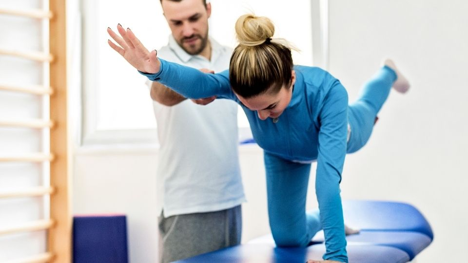 exercise spinalstretch - More exercises to relieve stiff shoulders and lower back