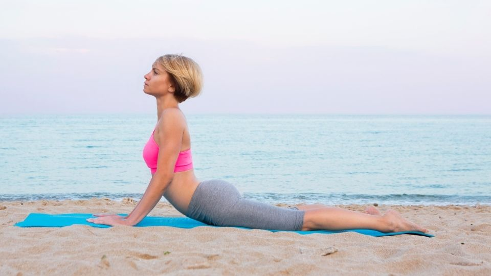 yoga cobrapose - More exercises to relieve stiff shoulders and lower back