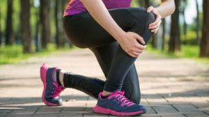 kneepain 300x169 - Possible mental factors behind that creaking knee