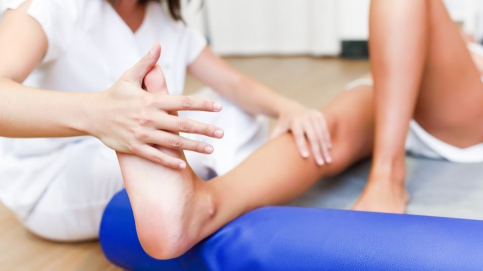 structural imbalance - Knock knees, bow legs and back pain due to structural and muscle imbalance