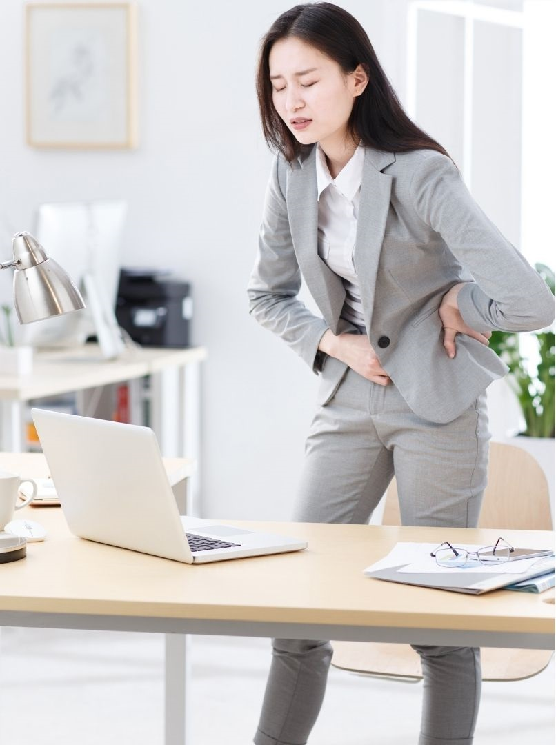 woman paininstomach - Wind in the stomach and connection to being overwhelmed