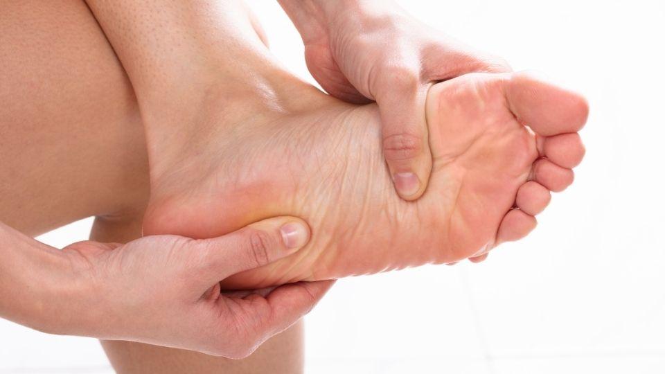 "feet numbsensation - Numb Feet with Feeling of ""Leaking Air"" Sensation"