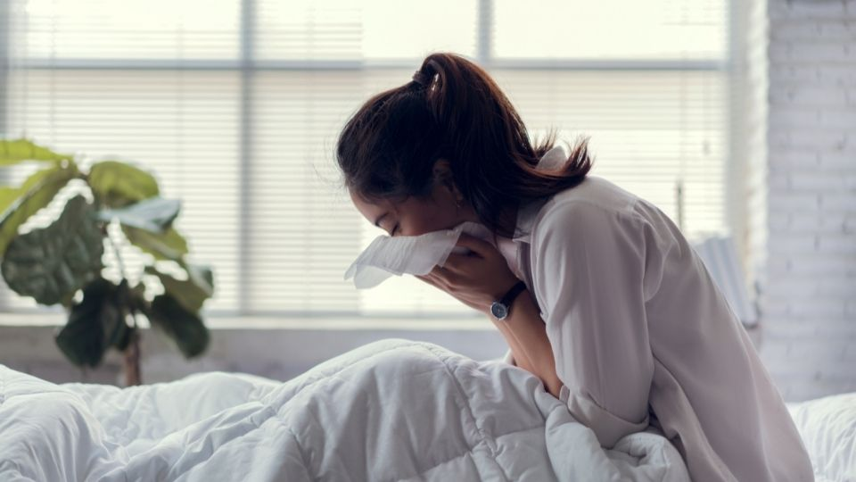 woman cough - Persistent cough with no cure and how it relates to stress and depression