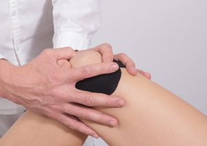 knee pain1 300x212 - Curing Knock Knees through Clearing Meridian Blockages