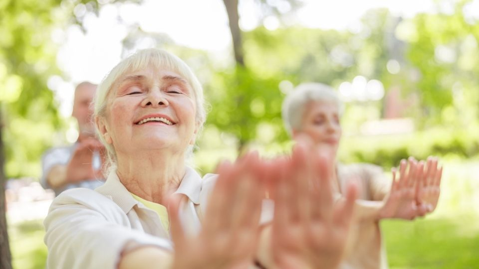 qi gong1 - Love, compassion and qi gong in healing cancer