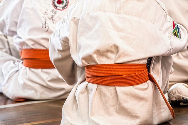 karate martialarts - Curing humped/ hunched back with martial arts