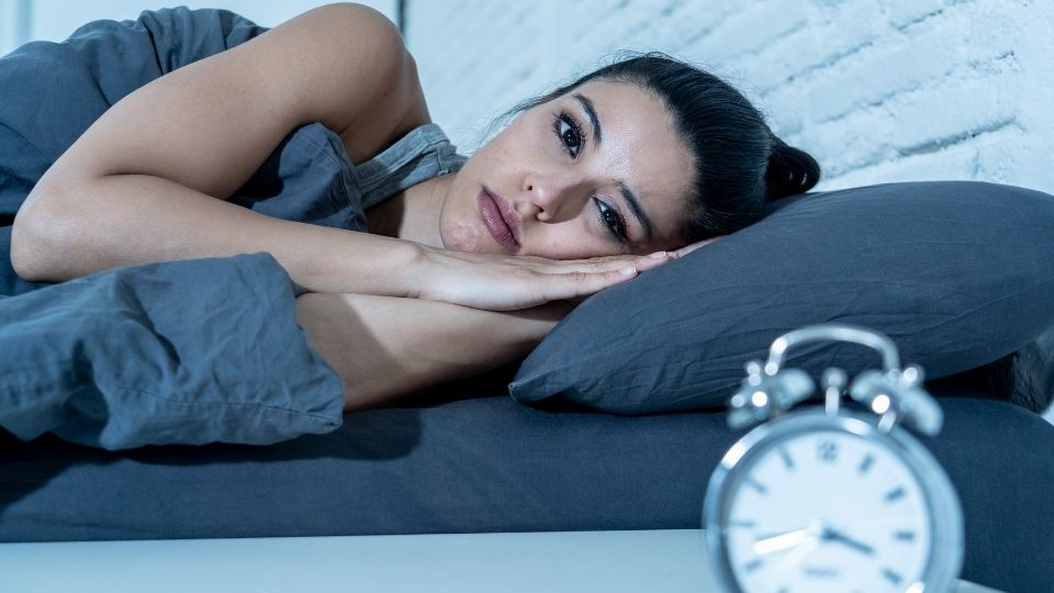 woman insomnia - Why can't I just fall asleep?