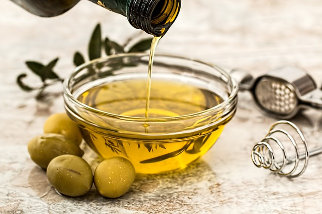 olive oil - Taking olive oil on empty stomach in the morning good for health