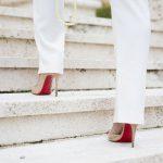 walk steps heels 150x150 - Why people walk or run with loud footsteps?