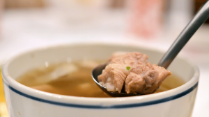 chinesesoup 300x169 - Nutritious Chinese soup using slow cooker for health benefits